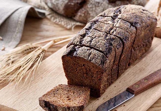 Bánh mì đen bao nhiêu calo