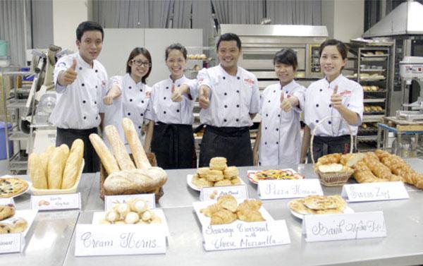 Học làm bánh mì tại trung tâm dạy nghề bánh Nhất Hương