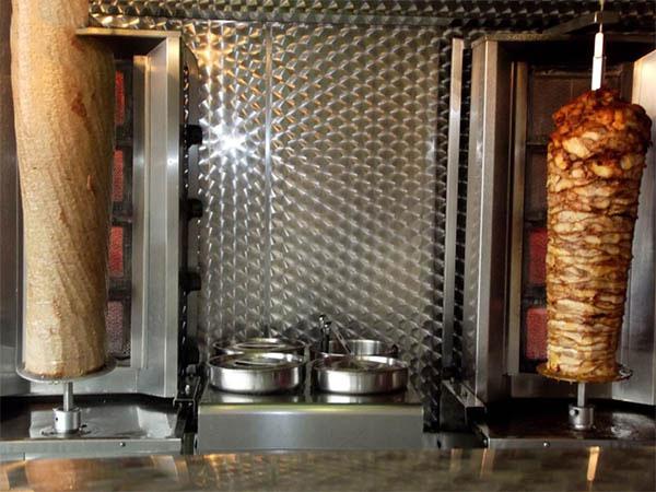 Sử dụng lò nướng thịt Doner kebab 4 buồng đốt đúng cách để tăng tuổi thọ cho lò