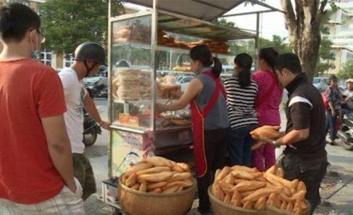 Quán bánh mì phố Huế tại Hà Nội