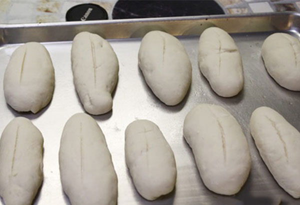 Tự tay làm ổ bánh mì ngon tại nhà đơn giản