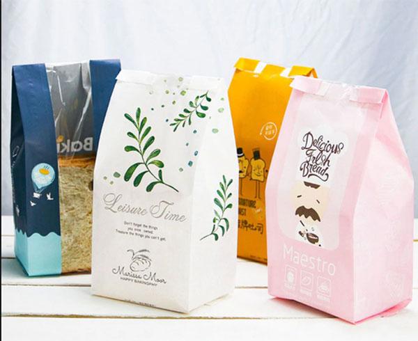 Thiết kế túi giấy đựng bánh mì đẹp với màu sắc, hình ảnh