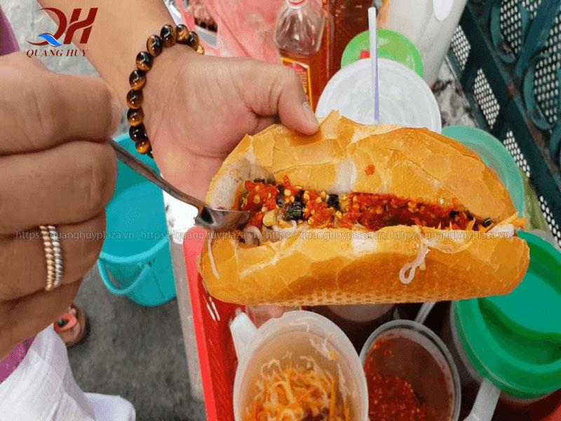 Bánh mì doner kebab Nguyễn Thái Học