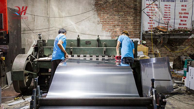 Xưởng sản xuất thiết bị bếp việt Quang Huy