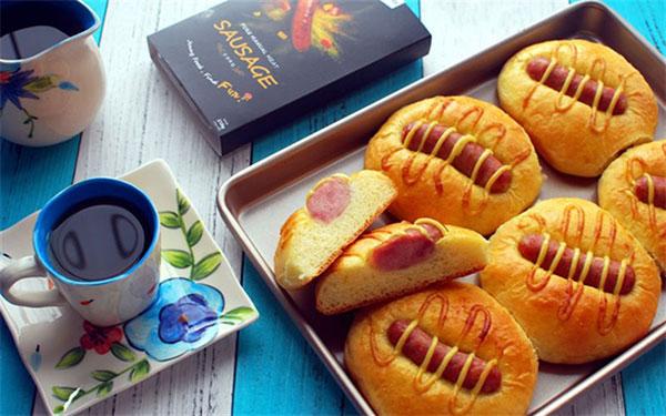 Bánh mì nướng xúc xích