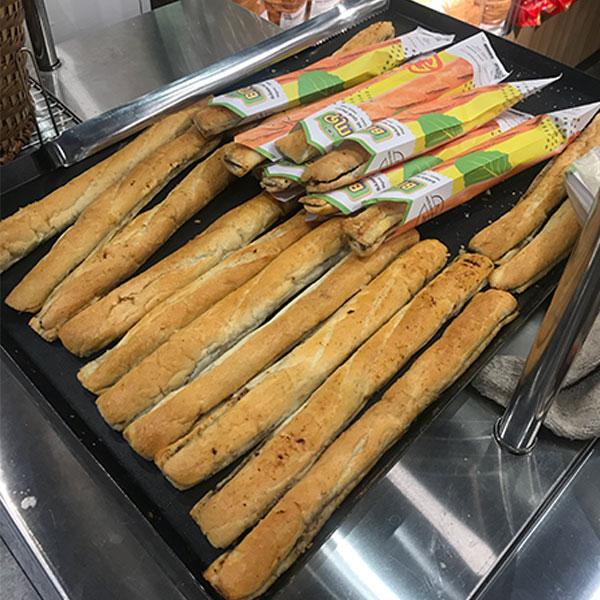 Thành phẩm bánh mì que đã hoàn thành