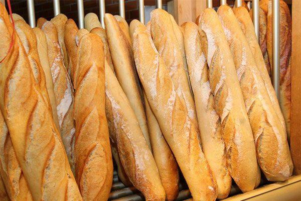 Tự làm bánh mì que nóng hổi tại nhà