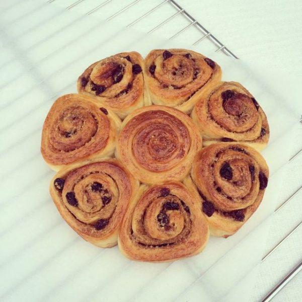Hướng dẫn cách làm bánh mì quế cuộn cho bữa sáng ngon miệng