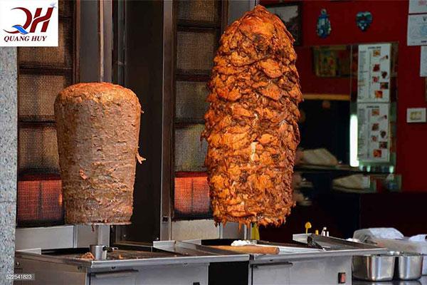 Cây thịt nướng doner kebab vàng thơm ngon