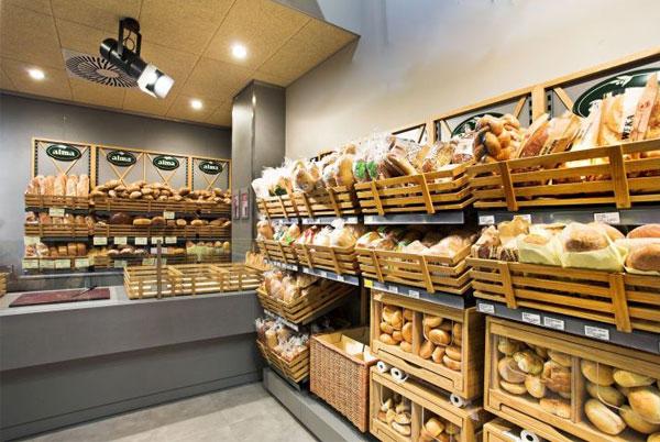 Mẫu tủ trưng bày bánh mì bằn gỗ