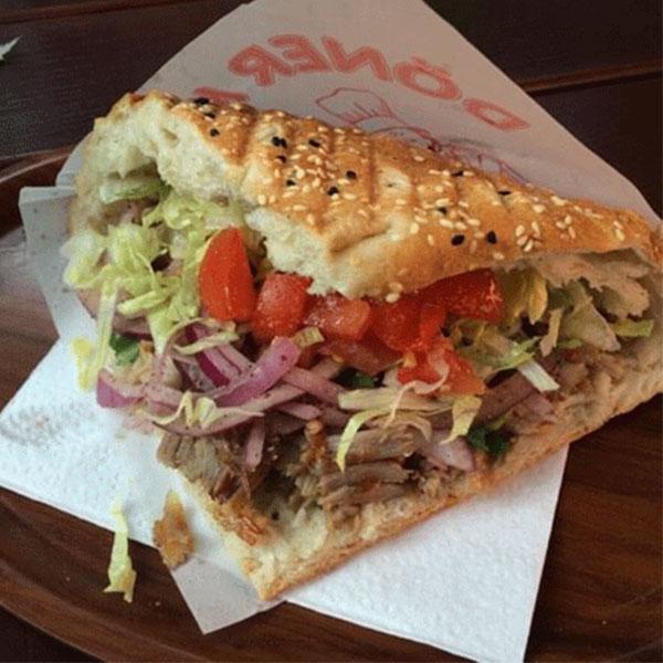 Bánh mì doner kebab ngon