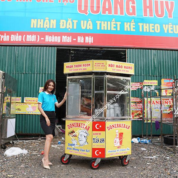 Xe bán bánh mì vỉa hè lục giác Quang Huy