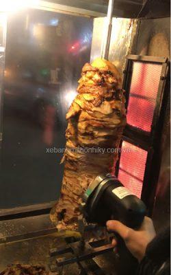 Cây thịt doner kebab thơm ngon