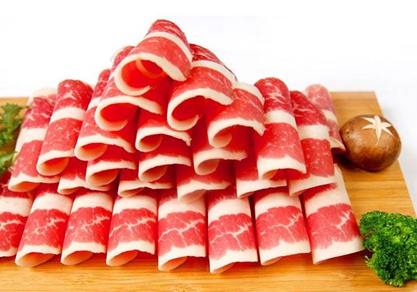 Thịt bò làm bánh mì doner kebab