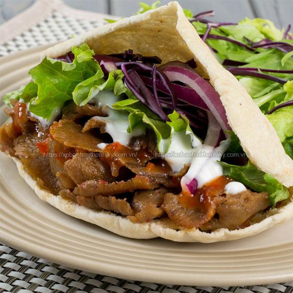 Thịt cừu làm bánh mì doner kebab