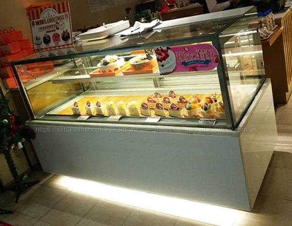 Tủ trưng bày bánh kem loại nhỏ để bàn