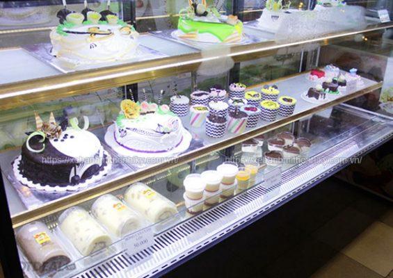 Tủ trưng bày bánh ngọt 3 tầng