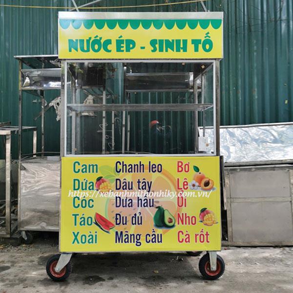Xe bán sinh tố nước ép trái cây