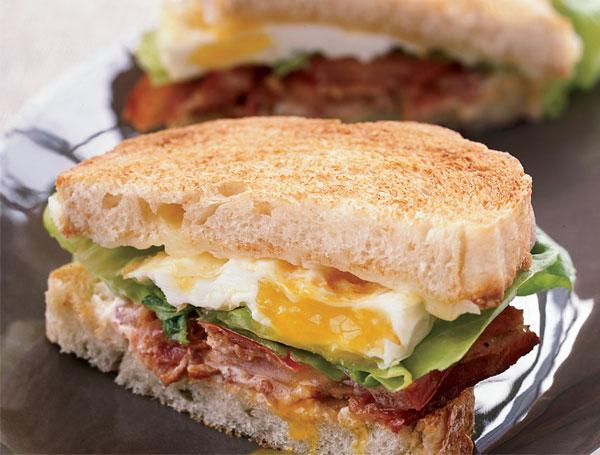 Cách làm bánh mì sandwich pate trứng