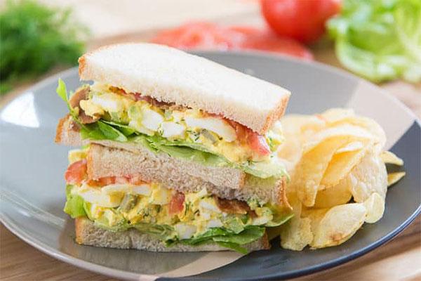 Hướng dẫn làm các món bánh mì sandwich kẹp trứng đơn giản