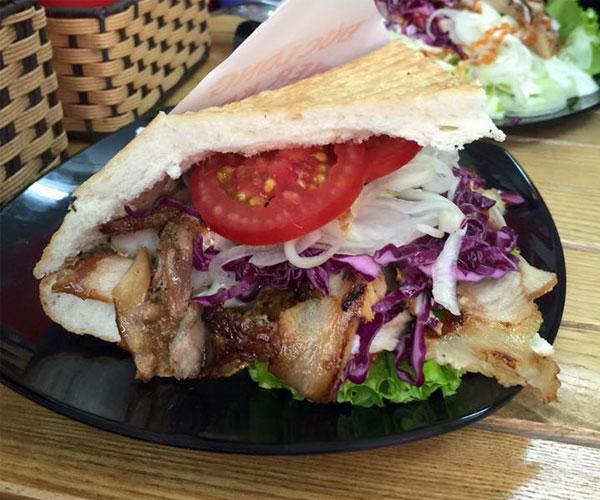Bánh mì Doner Kebab tam giác nhân thịt nướng