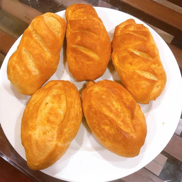 Làm bánh mì bằng nồi chiên không dầu