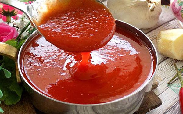 Sốt ớt tươi ăn cùng bánh mì que cay nồng đậm vị