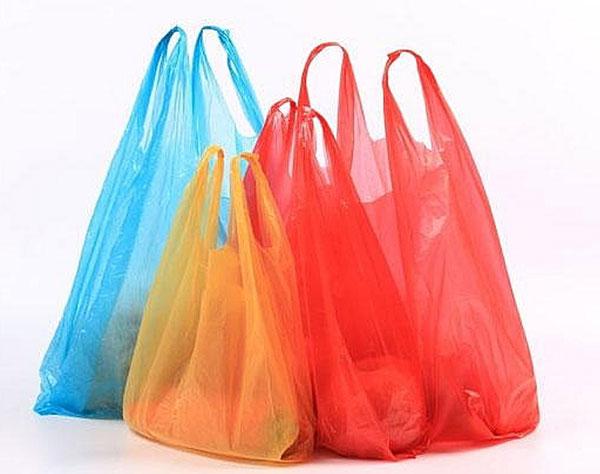 Túi nilong vẫn được sử dụng phổ biến để đựng thực phẩm