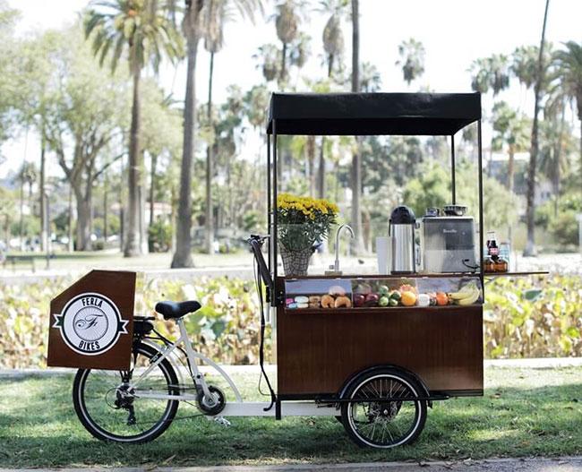 Bán cafe đồ uống với xe đạp bán hàng rong lưu động