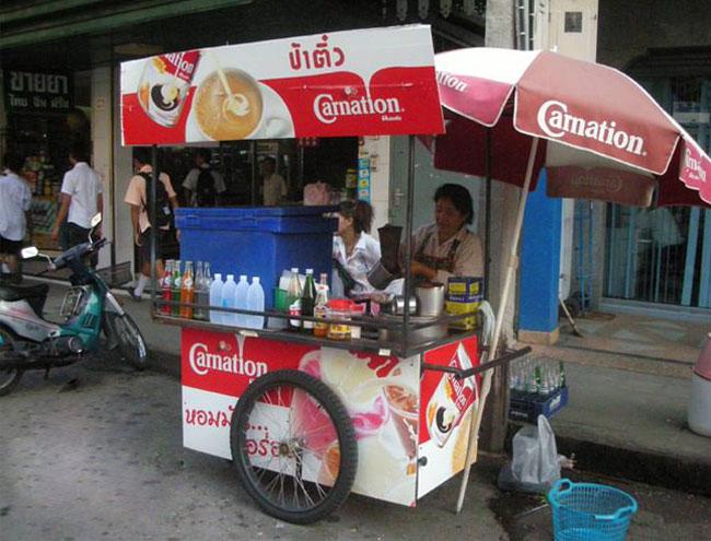 Bán trà sữa xe đẩy không chỉ ở Việt Nam mà còn nhiều nơi trên Thế giới