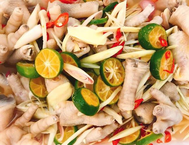 Chân gà ngâm xả ớt - món đồ ăn vặt dễ làm để bán ngày hè thu bội tiền