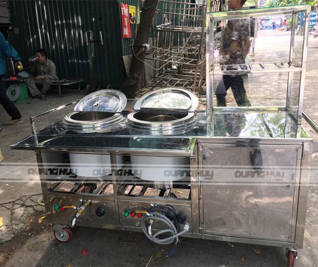 Xe bán hủ tiếu được thiết kế với 2 nồi do Quang Huy sản xuất và phân phối
