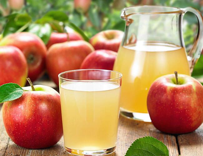 Nước ép táo - loại nước trái cây bán chạy ngày hè