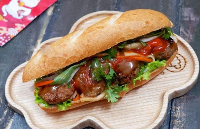 Bánh mỳ thịt nướng cần nước sốt để tăng tối đa hương vị của mình
