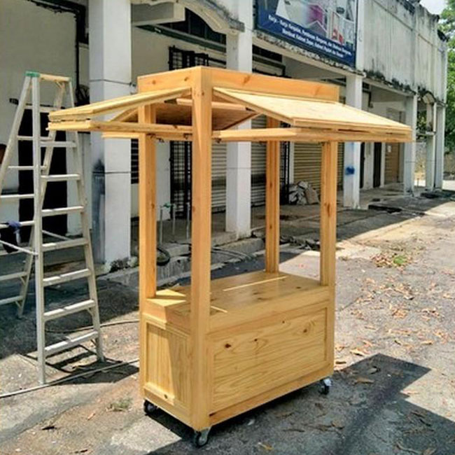 Xe gỗ bán trà sữa khá được lòng người mua bởi giá rẻ
