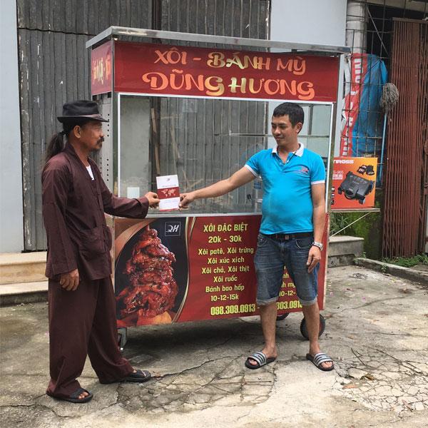Khách hàng đặt mua xe đẩy xôi 1m6 Quang Huy
