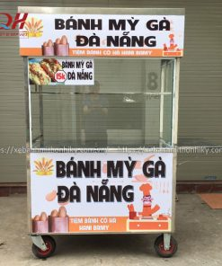 Quang Huy gia công xe đẩy bán bánh mì gà tại xưởng